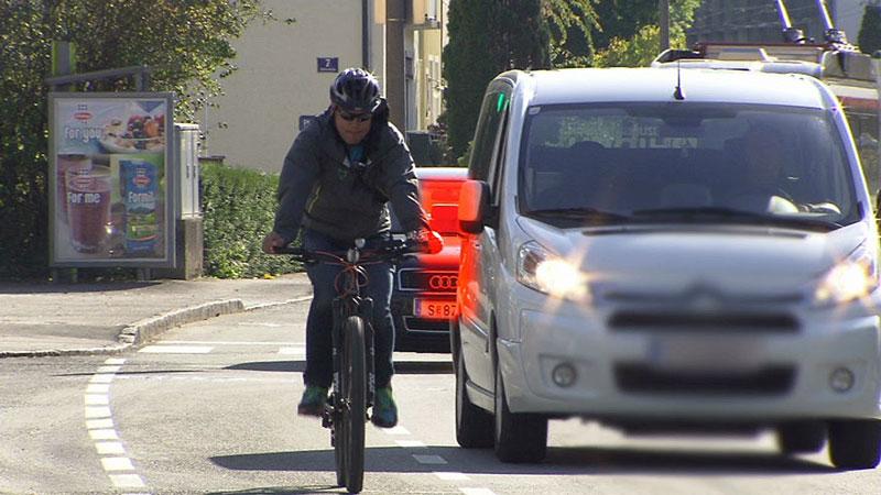 Seitenabstand Radfahrer Autofahrer, Messgerät, Fahrradpolizei