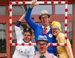 Clowndoctors vor dem Klinikum
