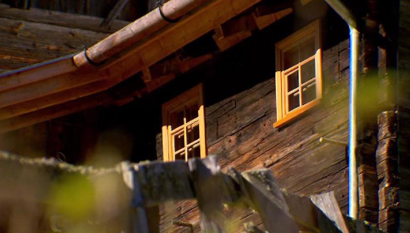 Neue Holzfenster bei Bauernhaus