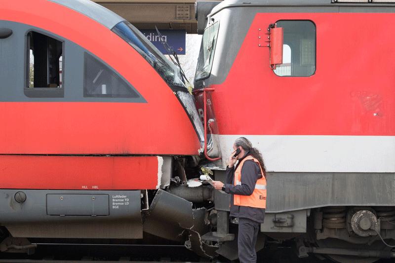 Züge zusammengestoßen