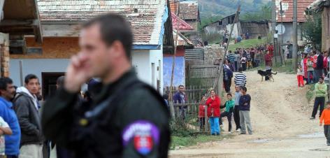Im Jahr 2012 versuchte die LSNS gewaltsam gegen Roma und ihren Besitz vorzugehen – die Polizei verhinderte dies
