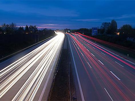 Autobahn Verkehr Nacht