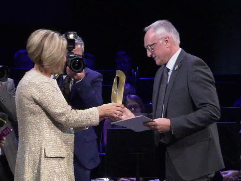 Preisträger Johann kropfreiter wird ausgezeichnet