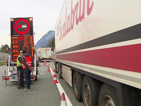 Lkw Stau, Blockabfertigung Kufstein
