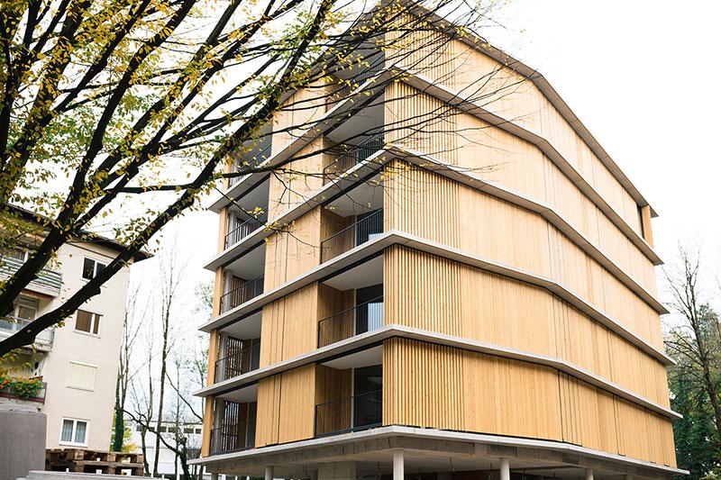 Moderner Neubau in Wohnsiedlung an der General Keyes Straße