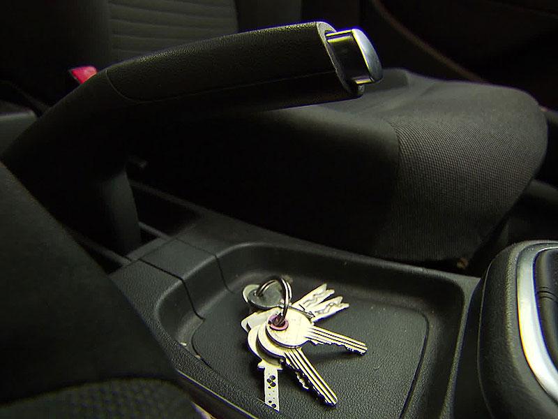 Schlüssel in Auto