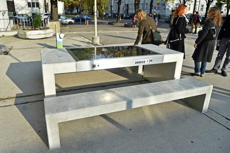 Solarbänke Enkplatz Simmering
