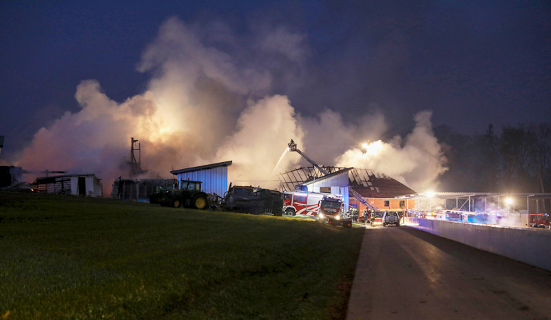Feuer in Bauernhaus