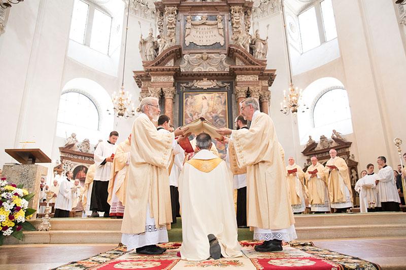 Weihe des Salzburger Weihbischofs Hansjörg Hofer im Salzburger Dom