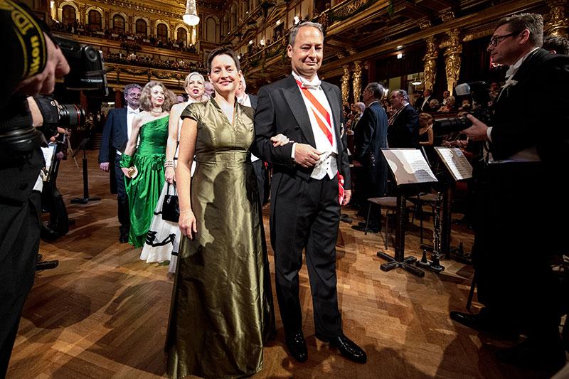 Sonja Wehsely und Andreas Schieder vor Beginn der Eröffnung des Balles der Wiener Philharmoniker im Jänner 2017