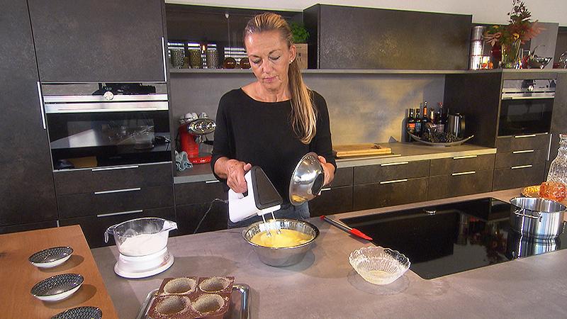 Petra Koth in der Küche