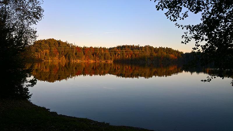 Forstsee Velden Herbst Wasser Fischen Angeln Indian Summer