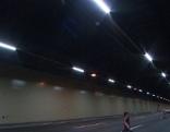 Wiener Tunnel bekommen neue LED-Beleuchtung. Im Bild der Kaisermühlentunnel mit neuer Beleuchtung