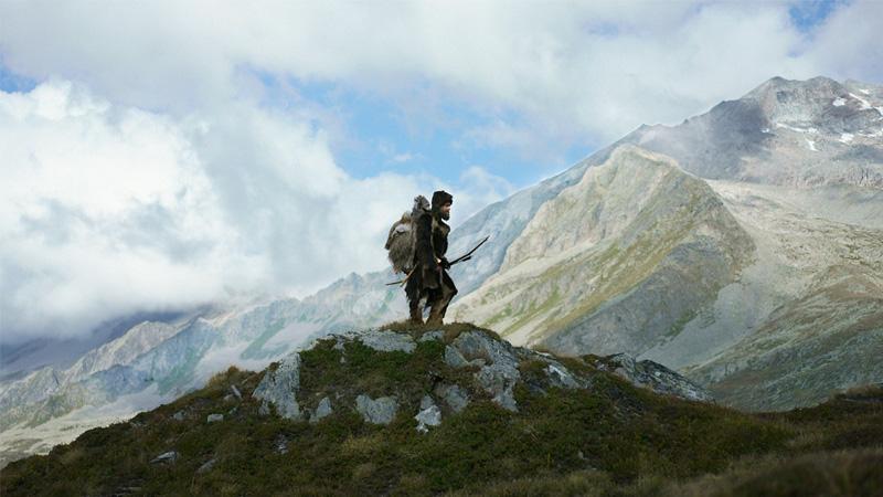 Ötzi vor Bergkulisse