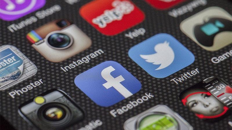 Social Media Handy Icons Facebook twitter