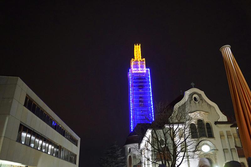 Kirchturm Verwandelt Sich In Riesenkerze Vorarlbergorfat