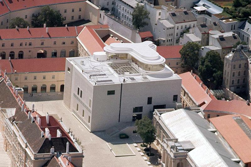 Erweiterungsbau auf dem Dach des Leopold Museum, die so genannte Libelle