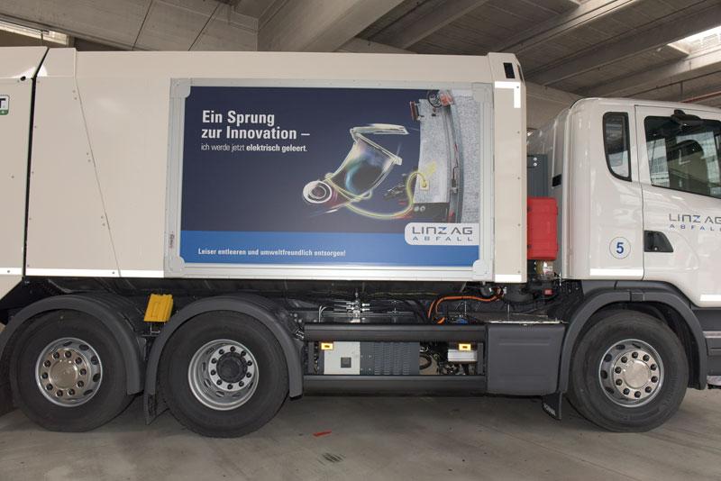 Müllwagen mit Plug-in-Hybrid
