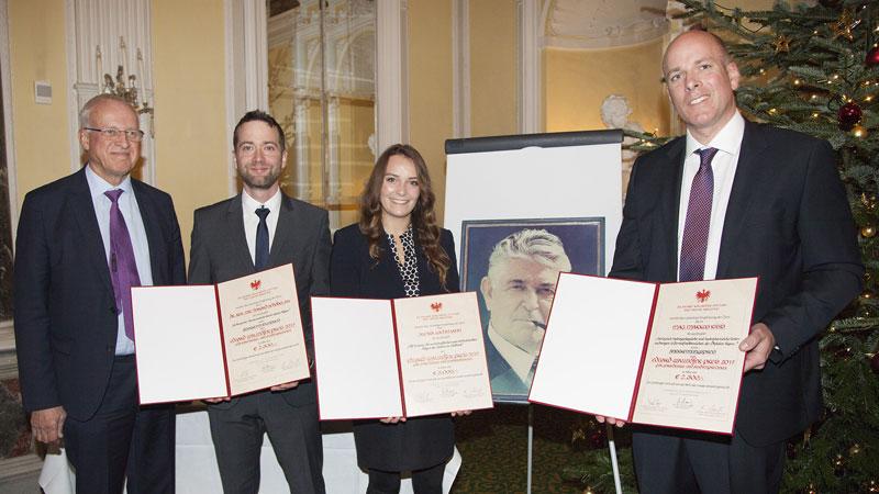 Stiftungsvorsitzender, Dr. Oswald Mayr, mit den Preisträgern Dr. rer. nat. BSc Harald Schöbel, Alexia Lochmann und Mag. Markus Ribis