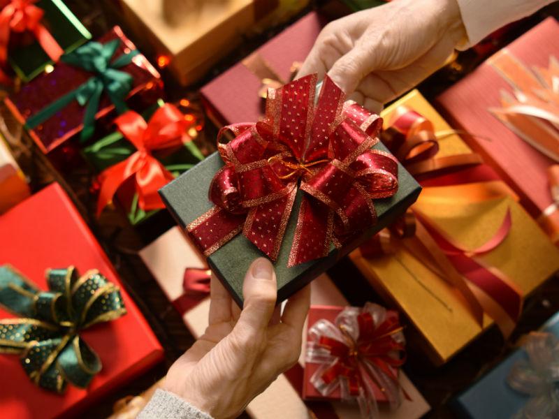Weihnachtsgeschenke Packerl