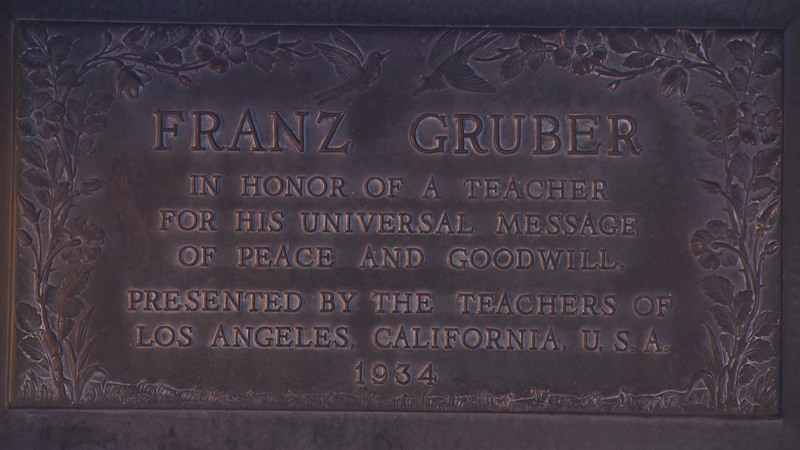 Gruber Bronzetafel