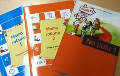 školske knjige memo 1 i 2, na putu
