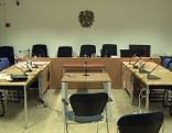 Leerer Verhandlungssaal im Landesgericht Salzburg