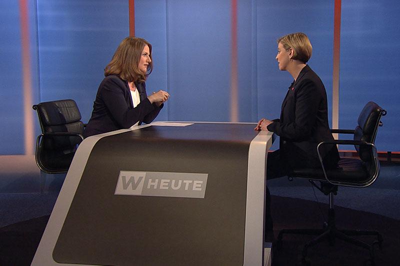 Beate Meinl-Reisinger im Interview bei Moderatorin Ulrike Dobes