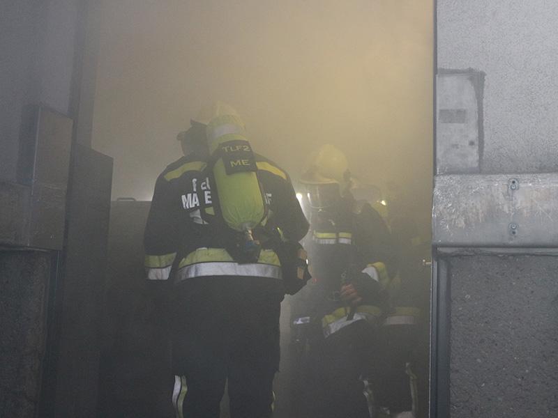 Brand im Müllraum eines Hochhauses