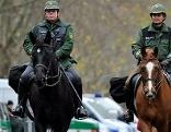 Berittene Polizisten in Stuttgart
