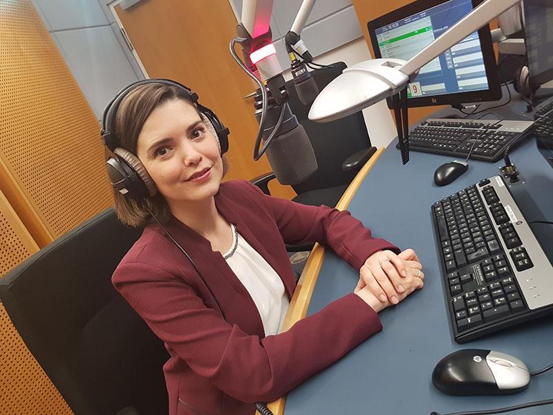 Claudia Schubert Radiostudio Wahlcafé