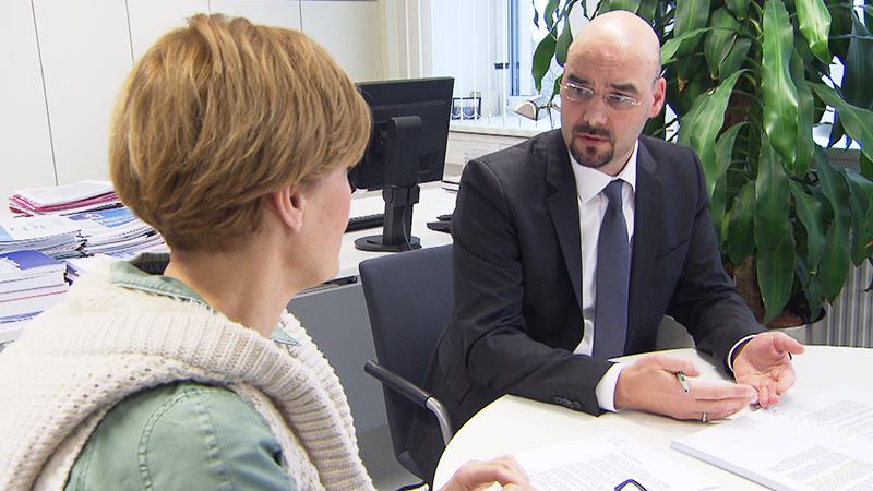LRH-Direktor Andreas Mihalits im Gespräch mit Dorottya Kelemen
