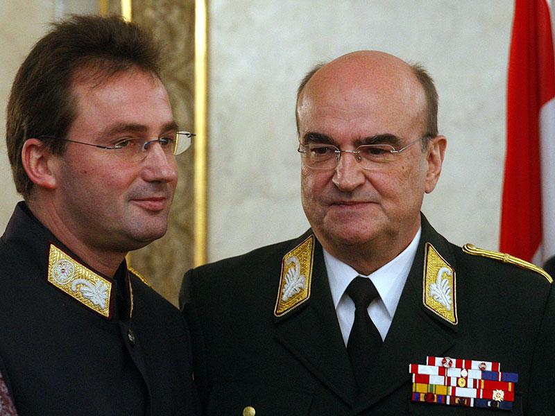 Amtsübergabe von Peter Stiedl an Gerhard Pürstl am 28. Dezember 2007