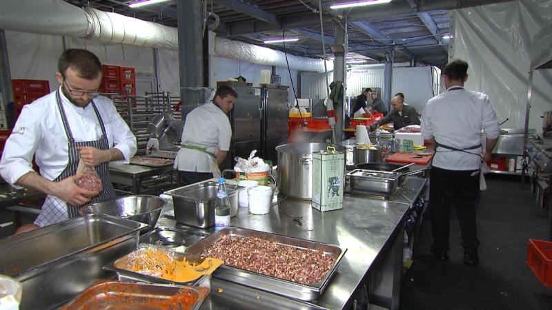 Eine Großküche im Gastgewerbe