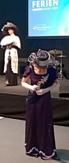 Dobové klobouky z první republiky patřily k perlám doprovodného programu