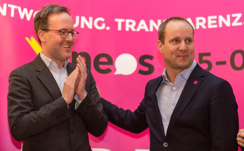 NEOS-Landessprecher Dominik Oberhofer und Bundesvorsitzender Matthias Strolz