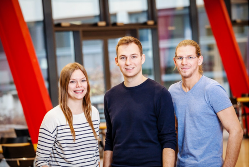 V.l.: Hanna Silber (AG), Edin Kustura (AG), Wolfgang Denthaner (ÖSU)