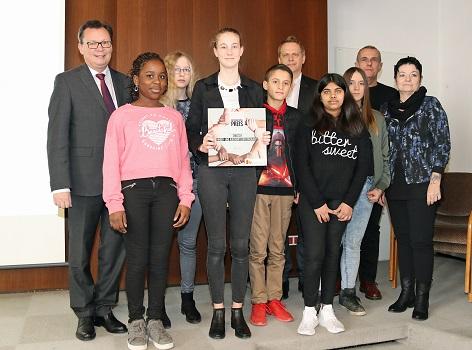 Verleihung des 1. Burgenländischen Integrationspreises an die Europäische Mittelschule Oberwarrt durch Soziallandesrat Mag. Norbert Darabos