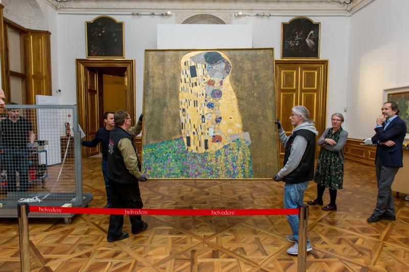 Gustav Klimt Kuss zieht um
