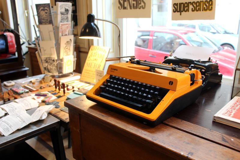 Schreibmaschine im Supersense