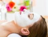 Frau Gesichtsmaske