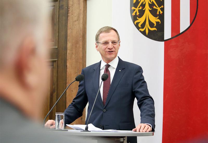 LH Thomas Stelzer bei der Verleihung von Landesauszeichnungen am 31.1.2018