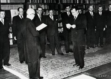 27.2.1948 Angelobung neuer Regierungsmitglieder. Tschechoslowakei.
