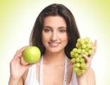 Frau und Obst