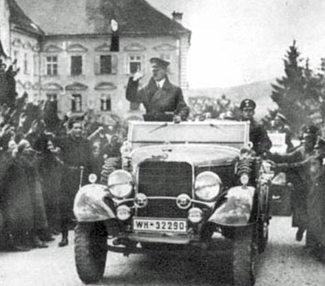 Hitler zieht in Braunau ein 1938