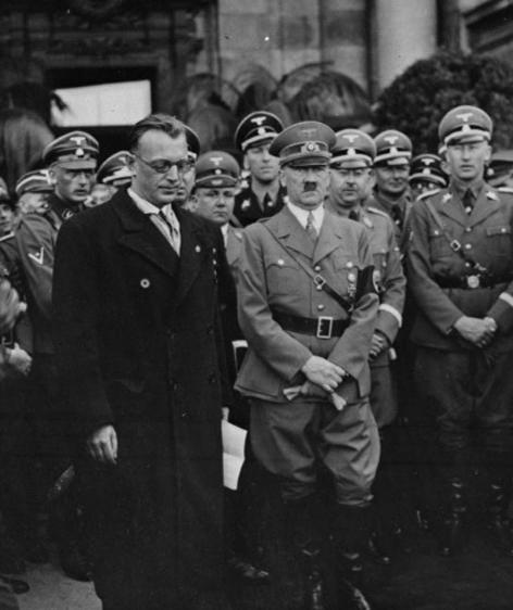 Seyß-Inquart neben Hitler in Wien (1938)