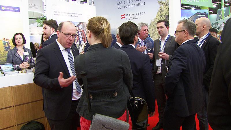 Burgenlandische Politiker und Touristiker auf der ITB