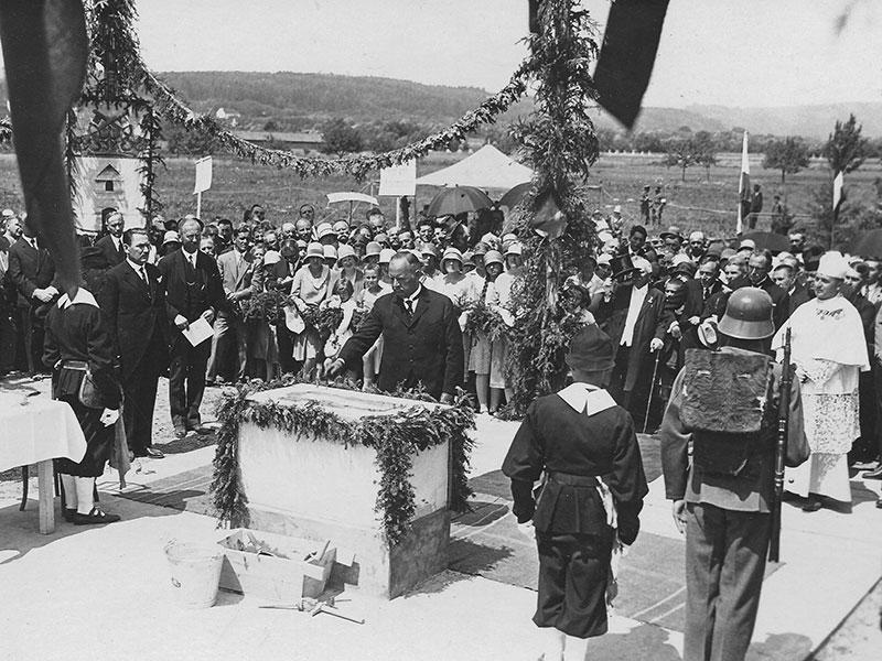Kaserne Pinkafeld, Grundsteinlegung 21.7.1929 durch Carl Vaugoin