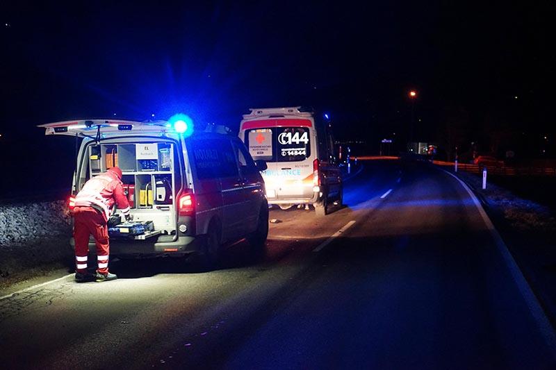 Rettungsauto bei der Unfallstelle im Zillertal