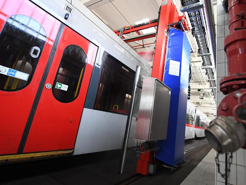 U-Bahn geht alle zwei Wochen duschen - wien.ORF.at